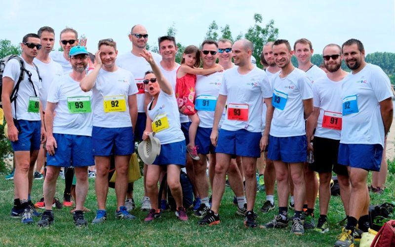 Équipes rassemblées pour la course relais Team and Run